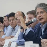 El Candidato Presidencial Guillermo Lasso, es criticado por algunas personas de la comunidad LGBTI+
